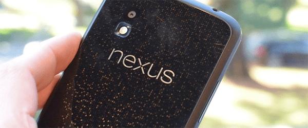LG Nexus 4 - Poza din spate