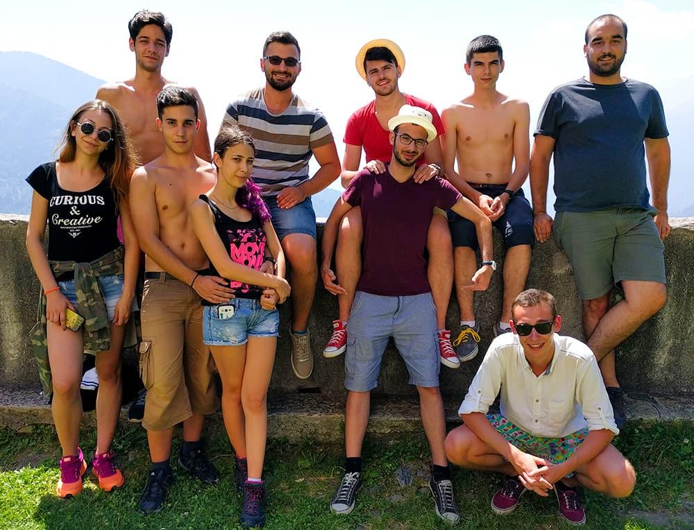 hike-romanian-group